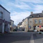 Carrouges, place Charles de Gaulle