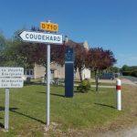 Saint-Lambert-sur-Dive, la place de la mairie