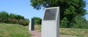 Hiesville, monument lettrine