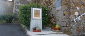 Champsecret, monument lettrine