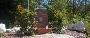 La Coulonche, monument lettrine