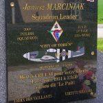 Crulai, stèle capitaine Marciniak
