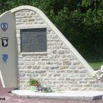 Beuzeville-au-Plain, monument 439th TC Group et 506th PIR