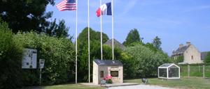 Gourbesville, monument lettrine