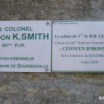 Gourbesville, plaques Colonel Smith et PFC Lewellen