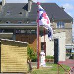 Montebourg, la médiathèque et l'office de tourisme