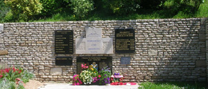 Rots, monument lettrine