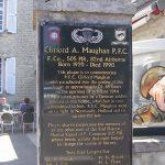 Sainte-Mère-Église, plaque PFC Clifford Maughan