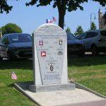 Sainte-Mère-Église, stèle parachutistes alliés