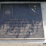 Sainte-Mère-Église, parc mémorial La Fière, plaque 507th PIR