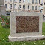 Caen, stèle du 9 juillet 1944
