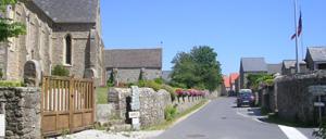 Maupertus-sur-Mer, ville lettrine