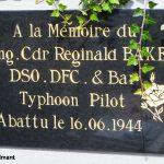 Cheux, plaque Wing Commander Baker