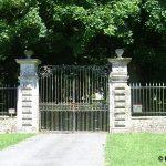 Coigny, portail du château du Franquetot du XVIIe siècle