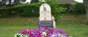 Montgardon, monument lettrine