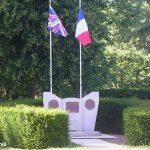 Cambes-en-Plaine, monument troupes britanniques