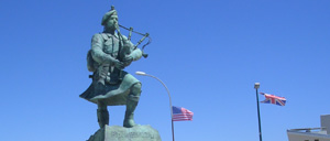 Colleville-Montgomery, monument lettrine