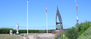 Ouistreham, monument lettrine