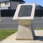 Villons-les-Buissons, stèle aérodrome B16