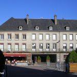 Coutances, la place du parvis Notre-Dame