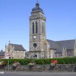 Landelles et Coupigny, l'église Saint-Pierre du XVe siècle