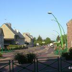 Saint-Gilles, la D972 vers Coutances