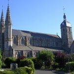 Saint-James, l'église Saint-Jacques du XIe siècle