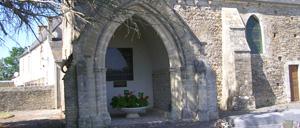 Saint-Martin-de-Blagny, monument lettrine