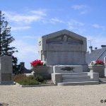 Saint-Sever-Calvados, monuments aux Morts et stèles soldats alliés