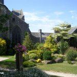 Saint-Sever-Calvados, le jardin de l'abbaye de Saint-Sever