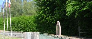 Tournebu Clair-Tison, monument lettrine