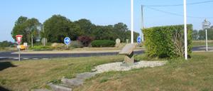 Gratot, monument lettrine