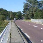 Heugueville-sur-Sienne, le pont sur la Sienne, vers Bréhal
