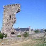 Regnéville-sur-Mer, le château fort du XIIe siècle, ruines du donjon