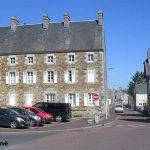 Quettreville-sur-Sienne, la place Louis Beuve