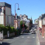 Saint-Pair-sur-Mer, la rue de la mairie