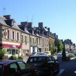 Pontorson, le centre-ville rue Couesnon