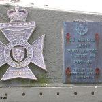 Courseulles-sur-Mer, plaques The Regina Rifle Regiment & The Royal Winnipeg Rifles