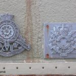 Courseulles-sur-Mer, plaques 17th Royal Canadian Hussars & The Canadian Scottish
