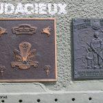 Courseulles-sur-Mer, plaques 1st Canadian Parachute Battalion & 6th Canadian Field Coy RCE