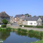 Sainte-Honorine-la-Chardonne, le centre du village